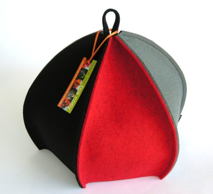 Ribbed modern expandable tea cosy