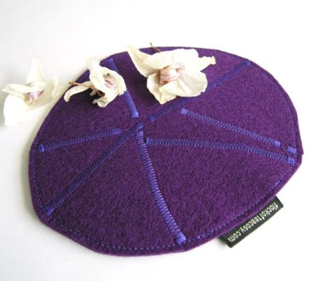 Wool felt trivet in Purple MEDIUM