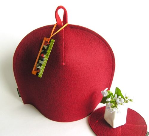 Clean simple tea cosy design in Mulberry Red wool felt